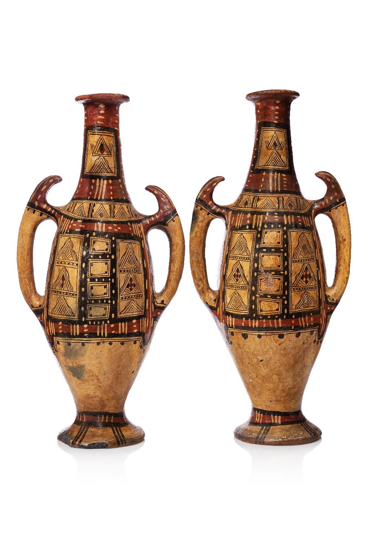 Paire d'amphores kabylesAlgérie, Grande Kabylie, début 20e siècleJarres à deux anses, en terre cuite