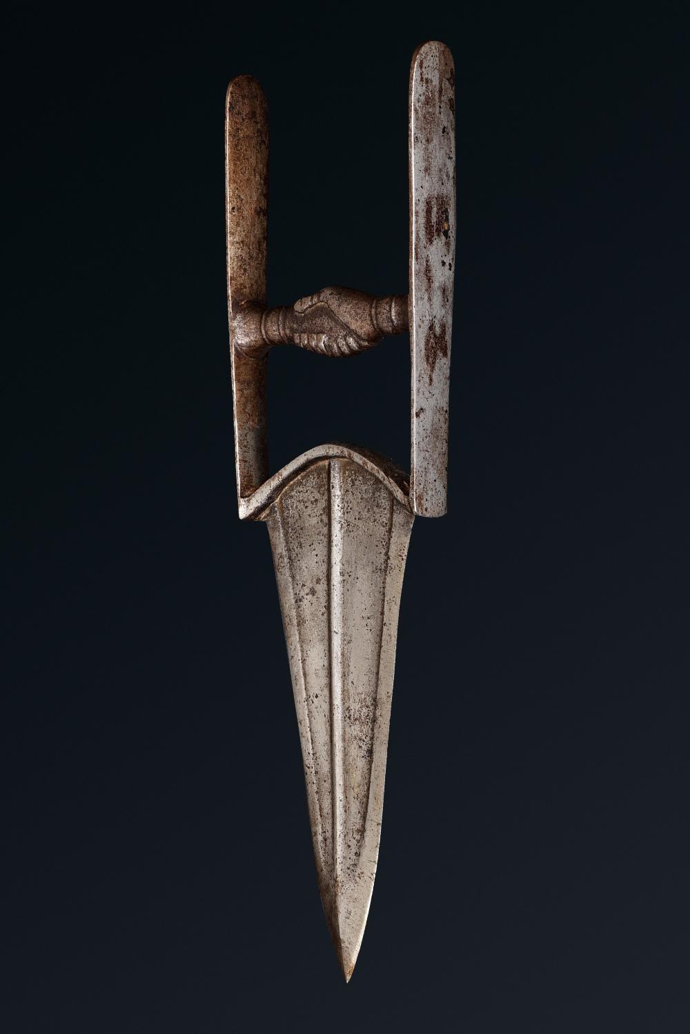 Katar mogholInde du Nord, 18ème sièclePoignard en acier à lame à double tranchant, arête centrale et