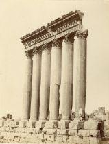 Baalbek, LibanVue générale du site : temple de Jupiter, sanctuaire de Bacchus, c. 1870 6 tirages