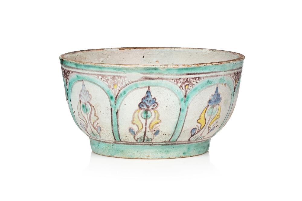 Rare Zlafa aux mihrabsMaroc, XVIIIème siècleBol en céramique peinte sur engobe blanc et sous glaçure