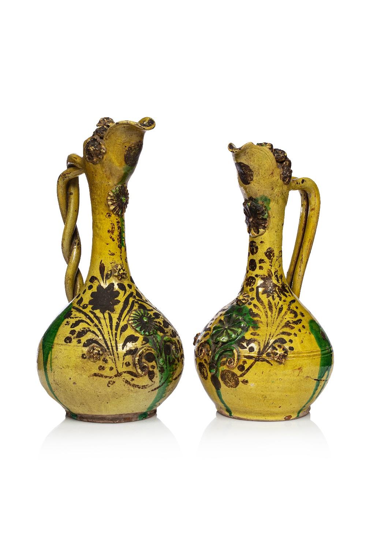 Deux Canakkalé ottomanesTurquie, XIXe siècleDeux çanakkalé ottomanes Verseuses en terre cuite