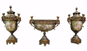 Impressive French porcelain set in the Sèvres style richly decorated with bronzes. In the Napoleon I