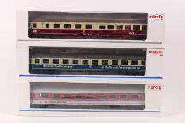 Märklin drei D-Zug-WagenMärklin drei D-Zug-Wagen, 42871, 42972, 42921, sehr gut erha