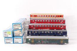Märklin fünf D-Zug-WagenMärklin fünf D-Zug-Wagen, 4034, Krakelée an Fenstern und