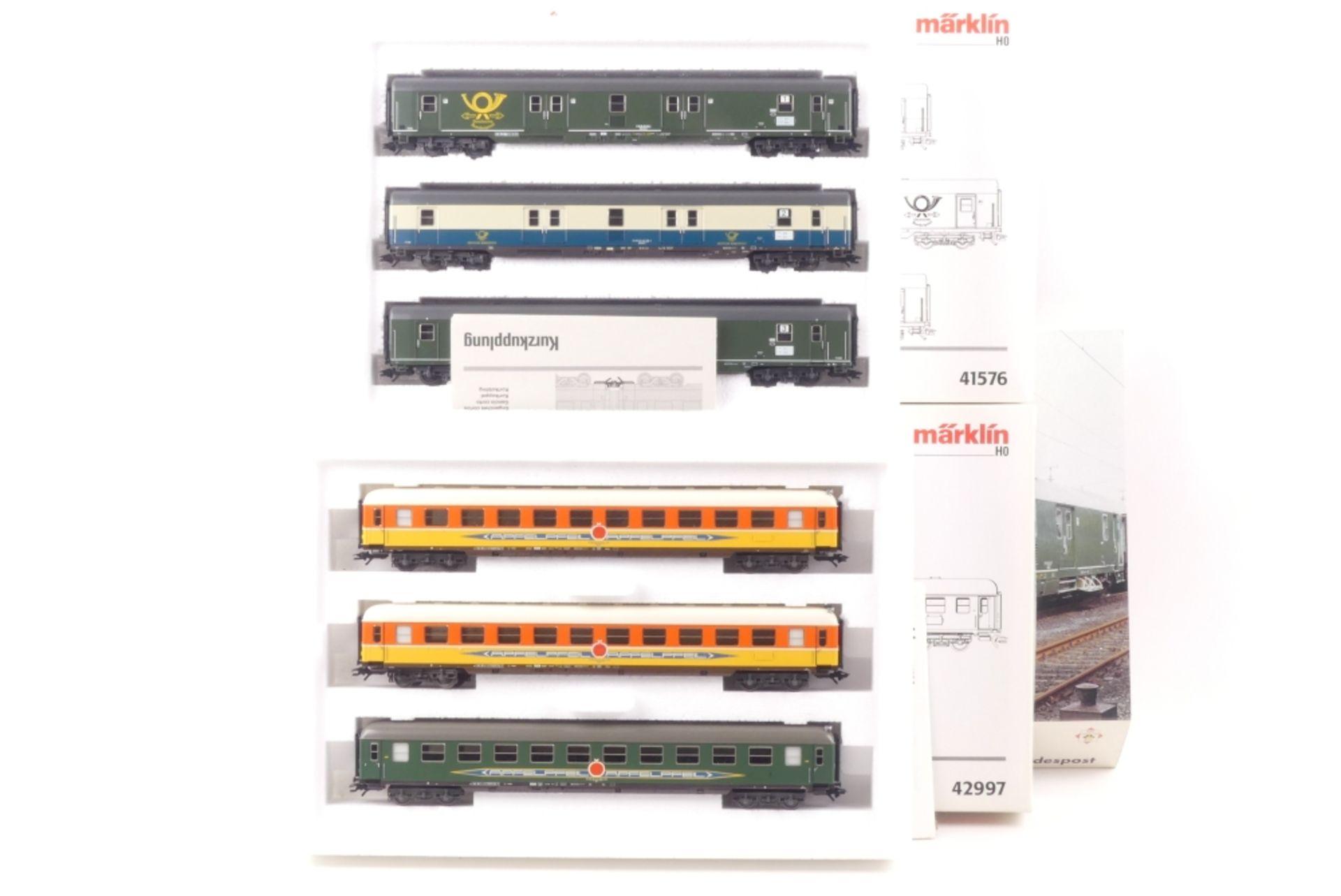 """Märklin zwei Wagen-Sets Märklin zwei Wagen-Sets, 42997, mit Gleichstromachsen ausgerüstet, """""""