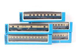 Märklin fünf D-Zug-WagenMärklin fünf D-Zug-Wagen, zwei 4225, 4291, 4292, 4293, seh
