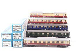 Märklin fünf D-Zug-WagenMärklin fünf D-Zug-Wagen, 4026, 4053, zwei 4085, 4090, seh