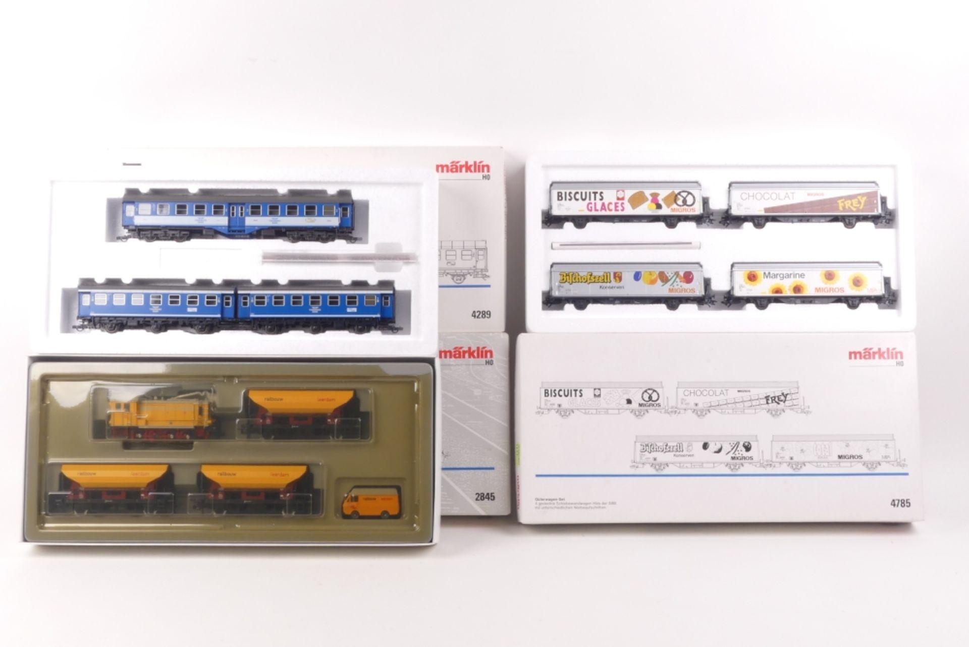 "Märklin drei Wagen-, bzw. Zug-SetsMärklin drei Sets, 2845, Gleisbauzug ""Railbouw Lee"