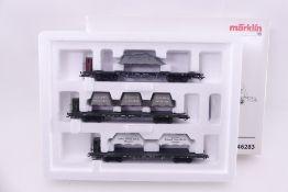 """Märklin, 46283, Wagen-Set """"Lokomotivfabriken"""", drei vierachsige Flachwagen, imitierte Ladung, sehr"""