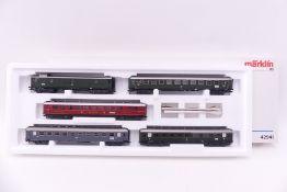 """Märklin 42941, Wagen-Set """"Riviera Express"""", fünf Schnellzugwagen der DB bzw. FS, sehr gut"""