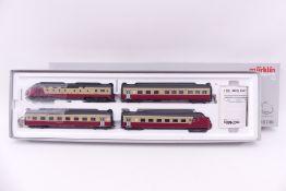 Märklin 39700, vierteiliger TEE Triebwagenzug RAm 401 der SBB, beklebt/entfernbar, lässt sich