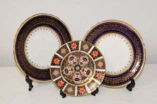 Two Ainsley Ware plates & a Royal Crown Derby Imari pattern plate (Size 16cm in dia)