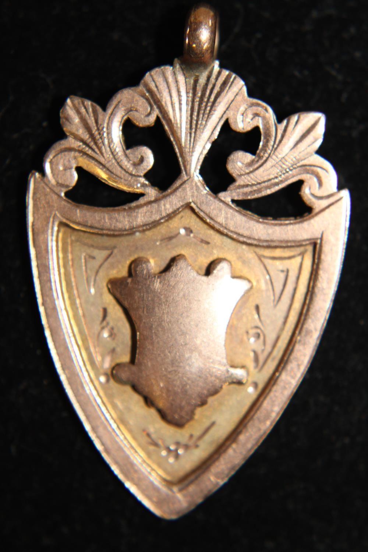 A vintage 9ct gold pendant 3.9 grams