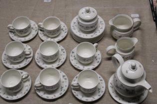 A Royal Doulton Strawberry Fayre tea service (29 pieces)