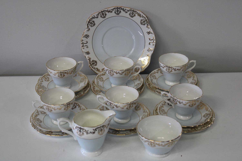A Sutherland fine bone china tea service 21 pieces