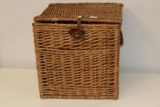 A large wicker work picnic/laundry basket 48cmx47cmx47cm Collection only