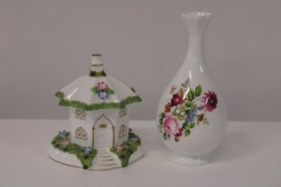 Two pieces of collectable Coalport