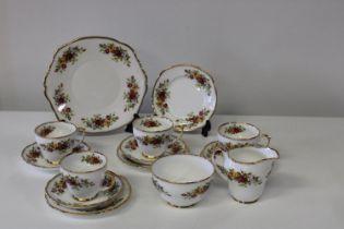 A pretty 15pc Duchess tea service 'English Garden'.