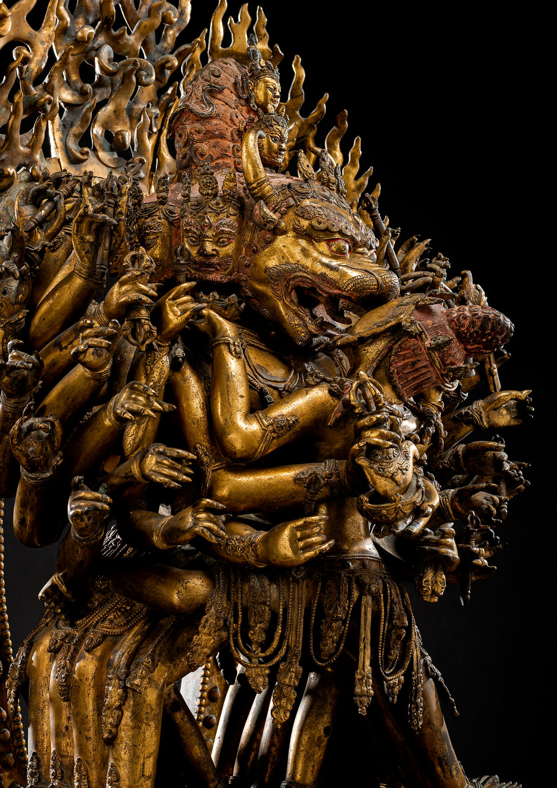 A HIGHLY IMPORTANT MONUMENTAL IMPERIAL GILT-BRONZE FIGURE OF VAJRABHAIRAVA - Image 3 of 8