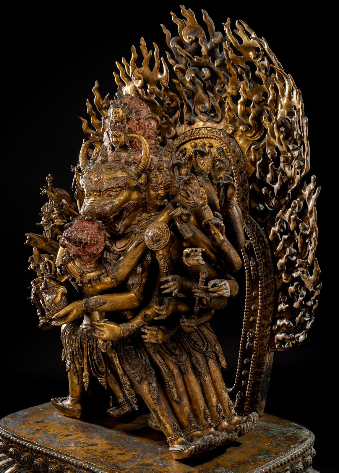 A HIGHLY IMPORTANT MONUMENTAL IMPERIAL GILT-BRONZE FIGURE OF VAJRABHAIRAVA - Image 5 of 8