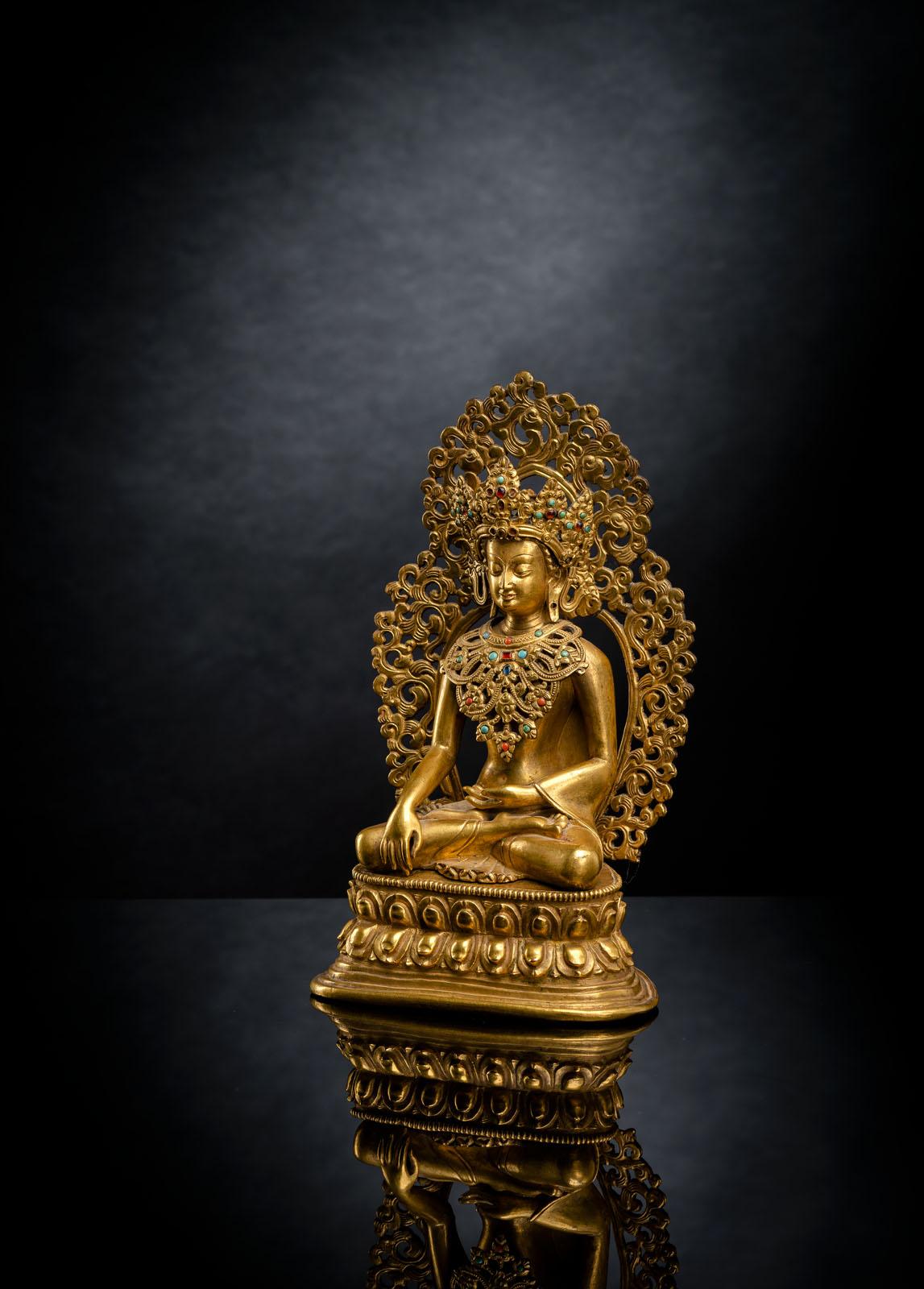 A FINE GILT-BRONZE FIGURE OF BUDDHA SHAKYAMUNI - Image 2 of 4