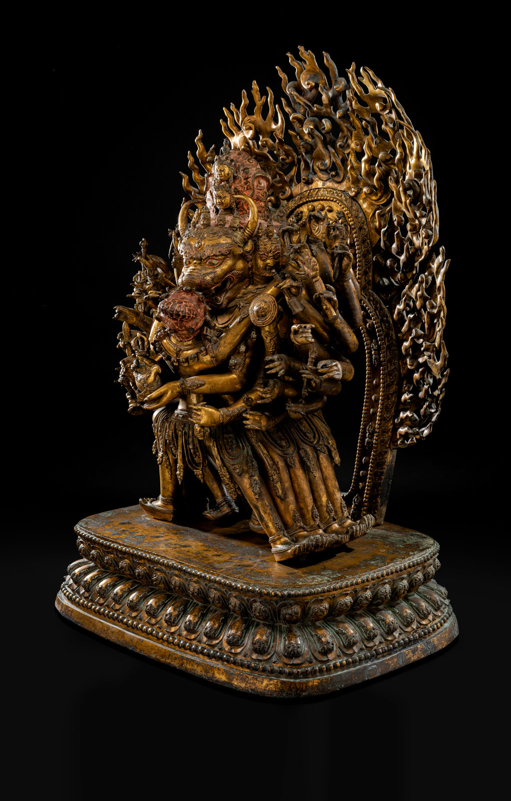 A HIGHLY IMPORTANT MONUMENTAL IMPERIAL GILT-BRONZE FIGURE OF VAJRABHAIRAVA - Image 6 of 8