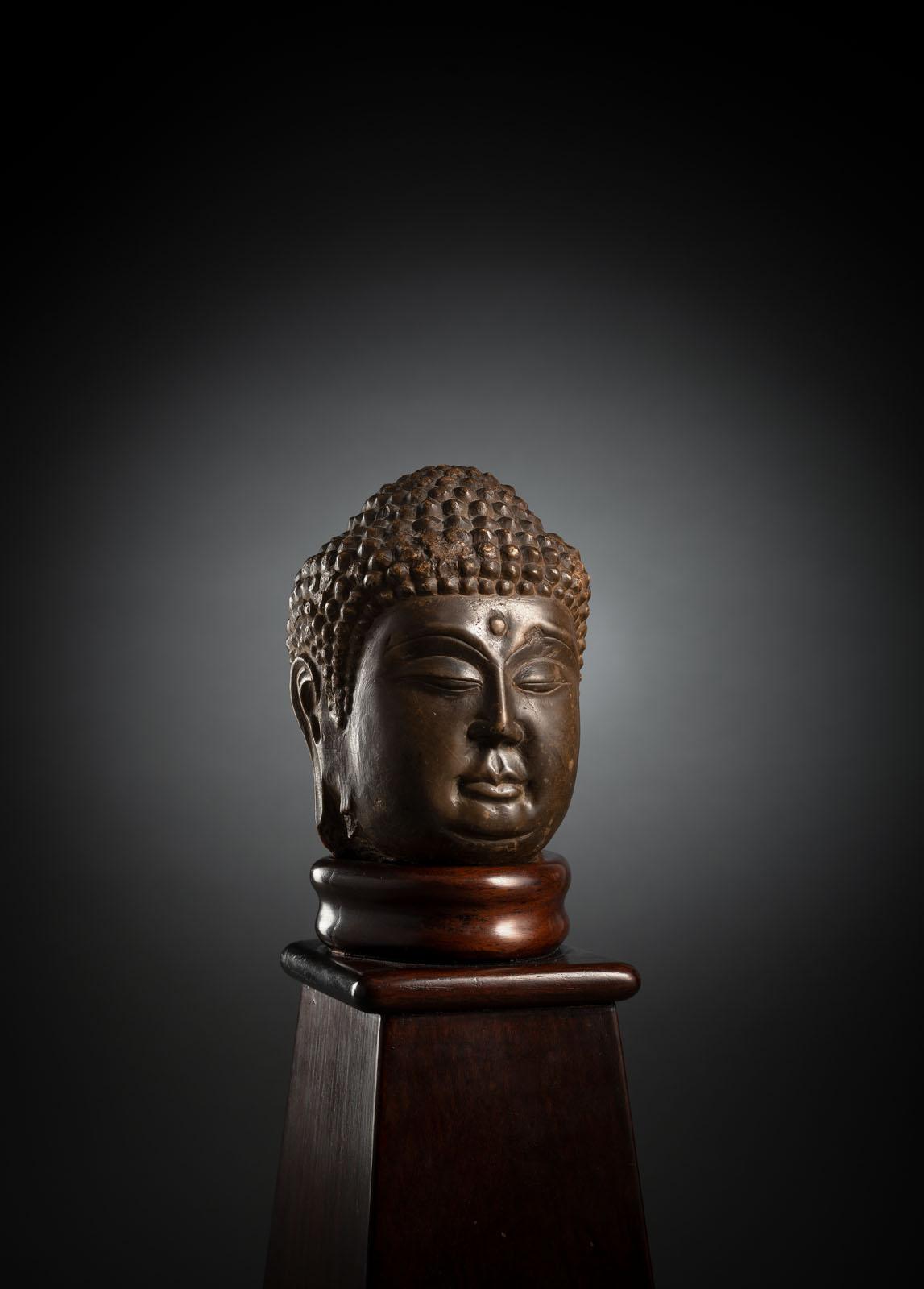 A LIMESTONE HEAD OF BUDDHA SHAKYAMUNI - Image 2 of 2