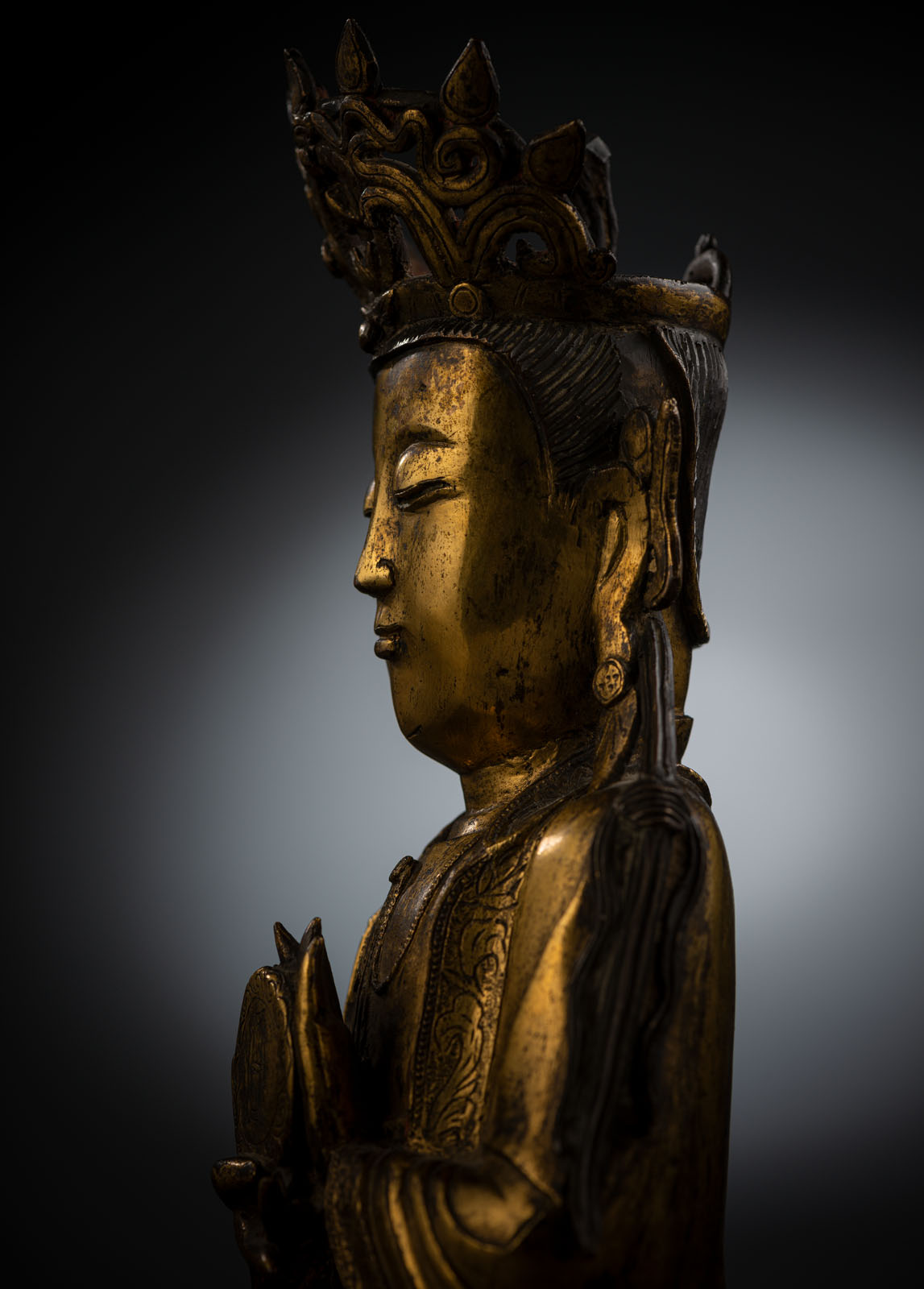 A RARE GILT-BRONZE FIGURE OF SURYABRAHA WITH SUN DISK - Image 4 of 10