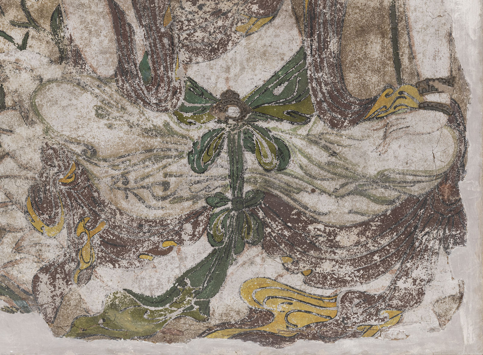 A RARE STUCCO PAINTING OF GUANYIN - Image 7 of 9