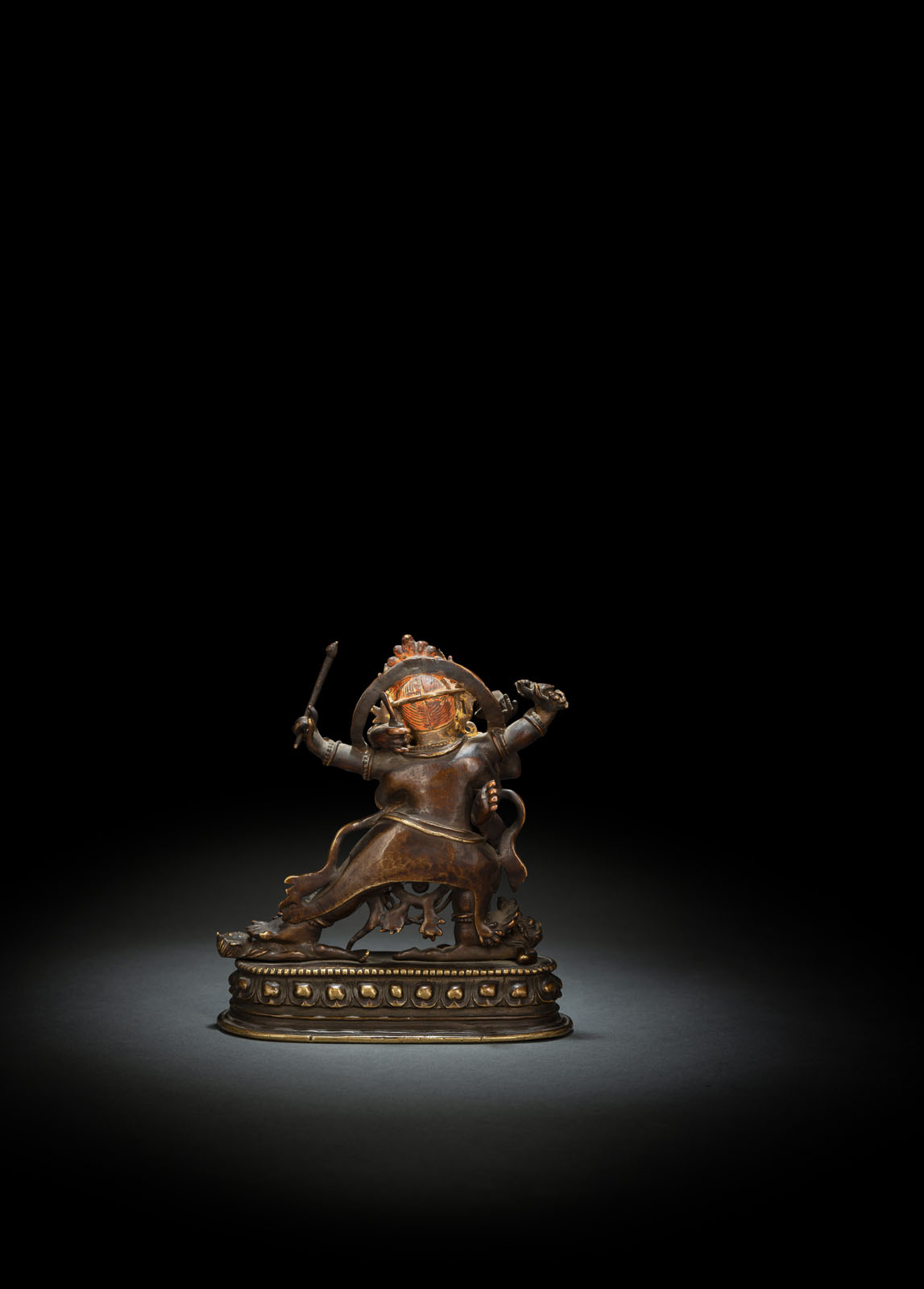 A RARE BRONZE EMANATION OF VAJRAPANI ON A LOTUS - Image 2 of 10