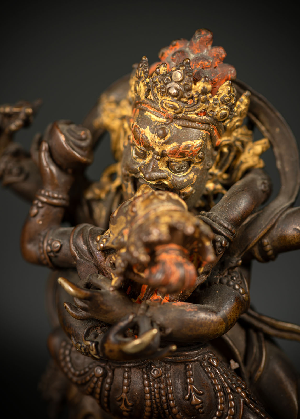 A RARE BRONZE EMANATION OF VAJRAPANI ON A LOTUS - Image 5 of 10