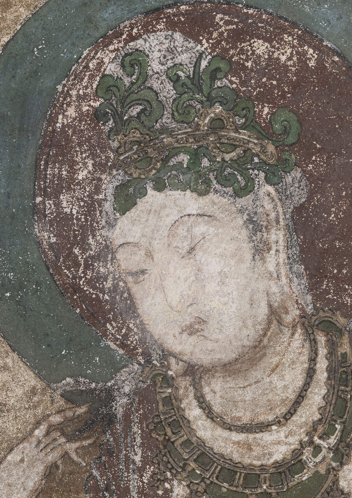 A RARE STUCCO PAINTING OF GUANYIN - Image 2 of 9