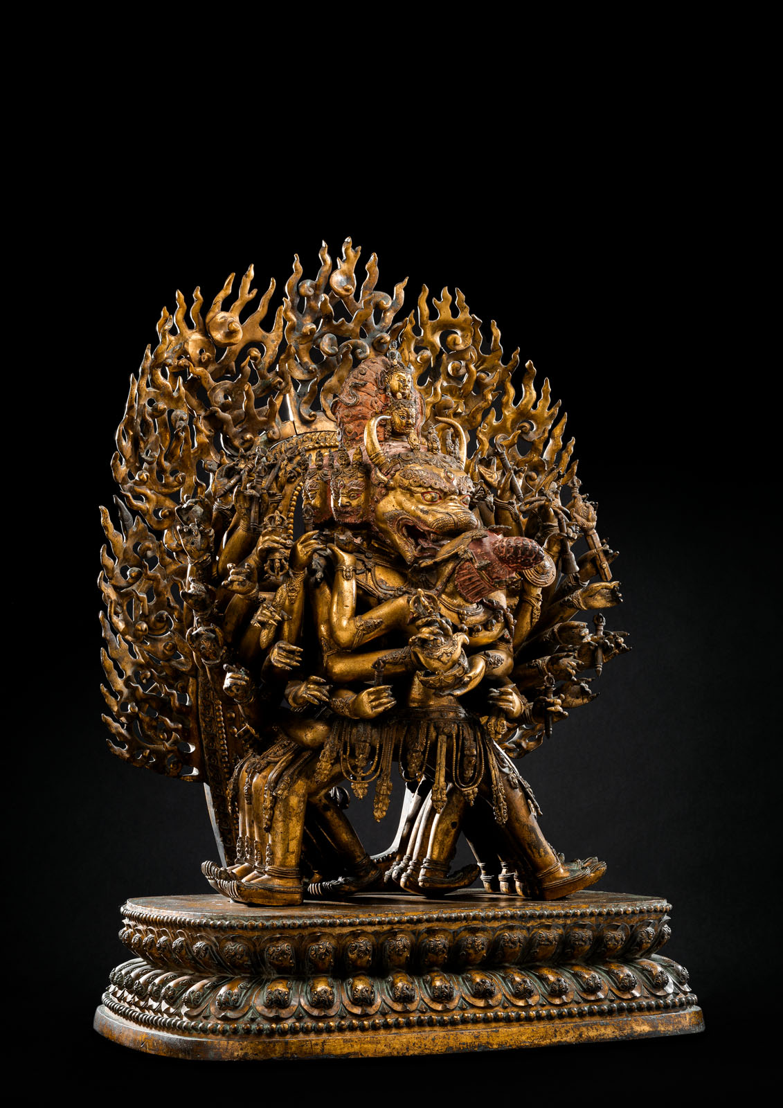 A HIGHLY IMPORTANT MONUMENTAL IMPERIAL GILT-BRONZE FIGURE OF VAJRABHAIRAVA - Image 2 of 8