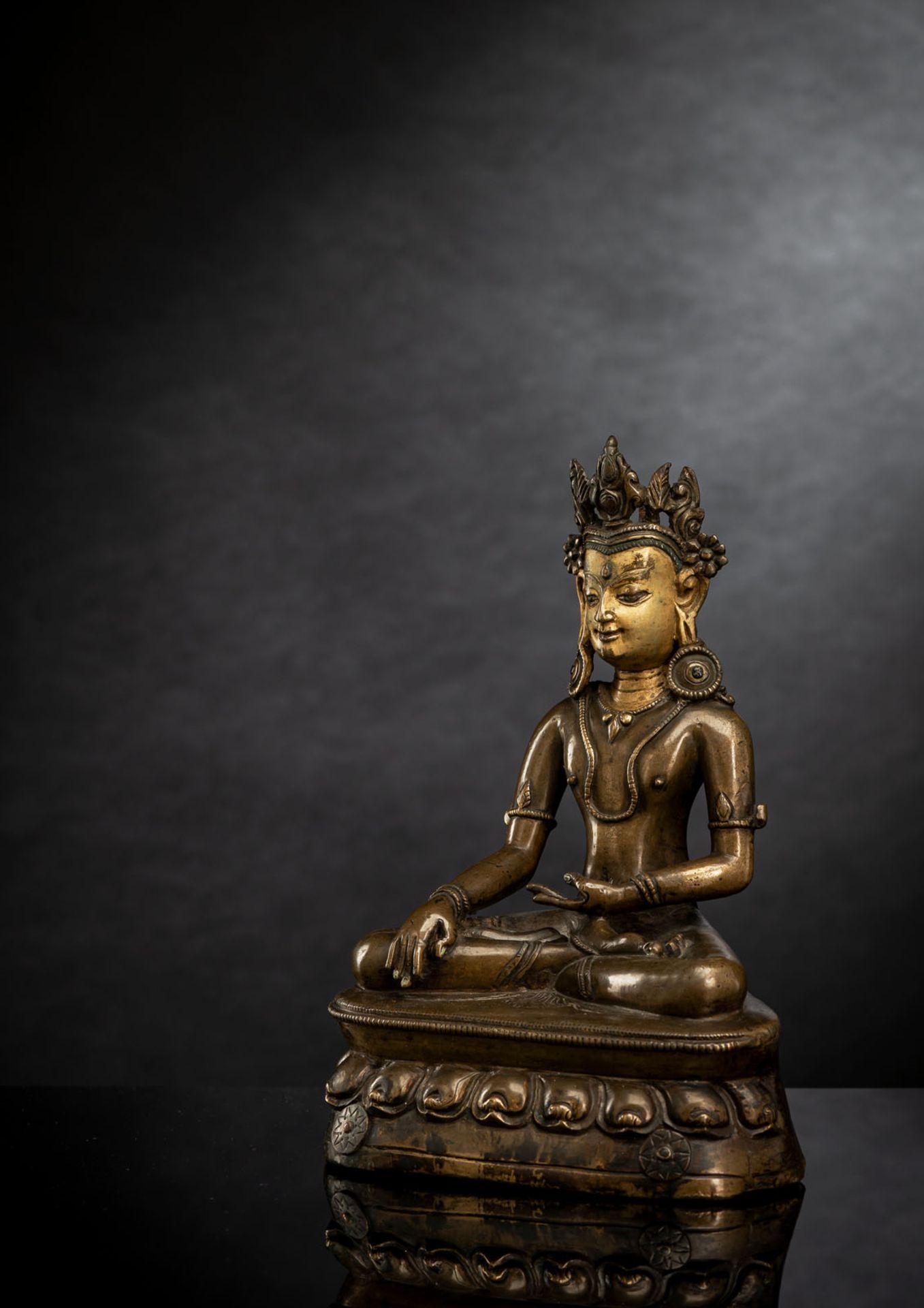 A FINE BRONZE FIGURE OF BUDDHA SHAKYAMUNI - Image 2 of 3