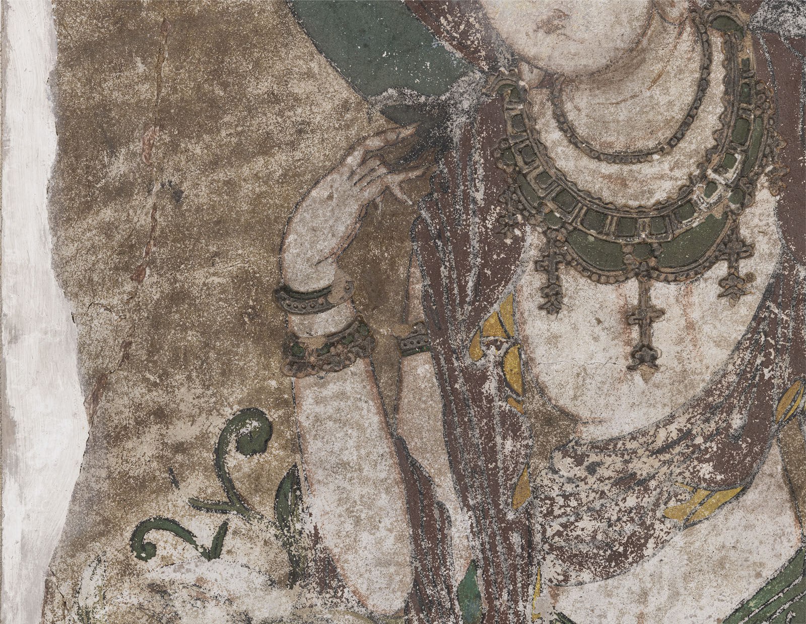 A RARE STUCCO PAINTING OF GUANYIN - Image 5 of 9