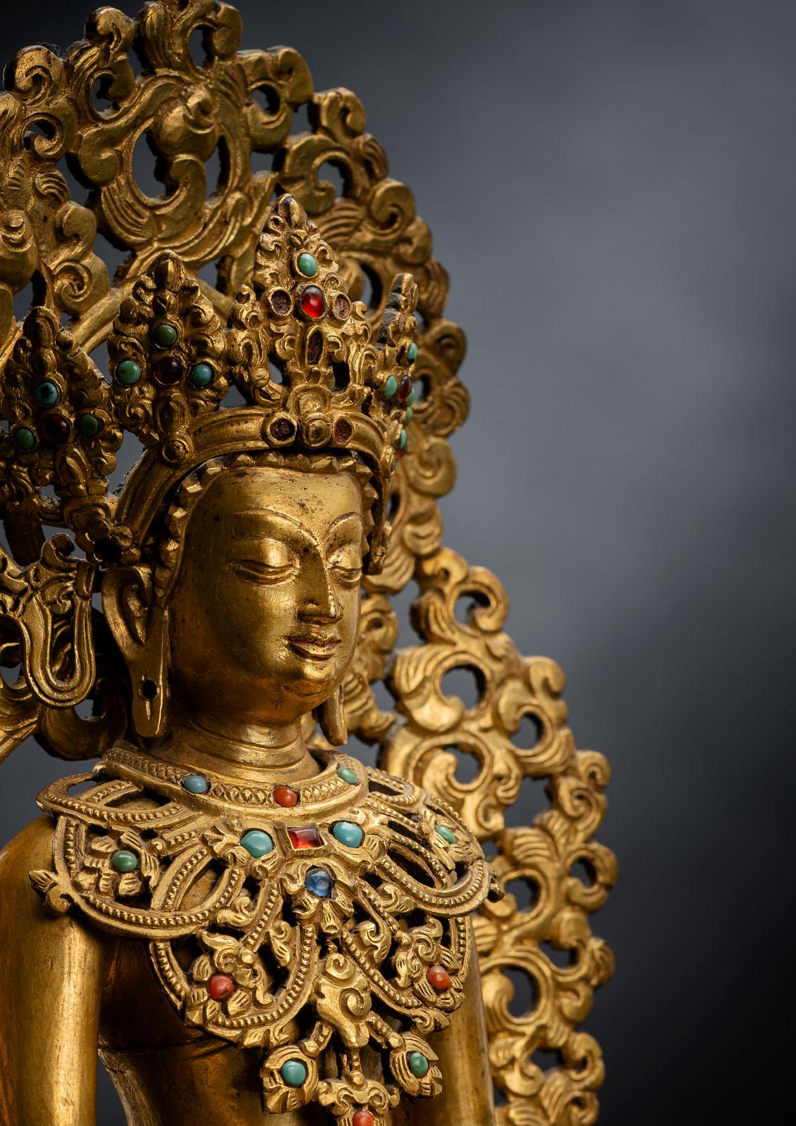 A FINE GILT-BRONZE FIGURE OF BUDDHA SHAKYAMUNI - Image 3 of 4