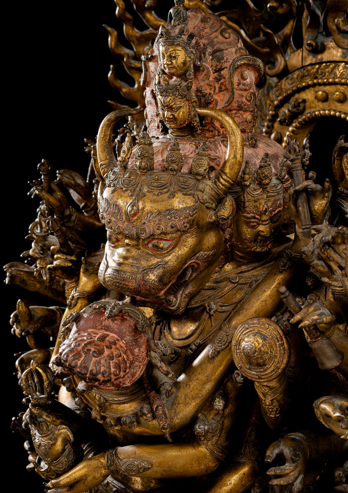 A HIGHLY IMPORTANT MONUMENTAL IMPERIAL GILT-BRONZE FIGURE OF VAJRABHAIRAVA - Image 7 of 8