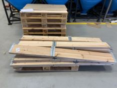Pallet of hinged planks