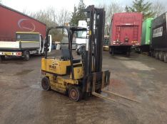 Cat 2.0 ton diesel forklift