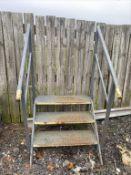 Set of 3 tread steel steps approx 600mm tall