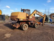 Case 888 Wheeled Excavator, 1992, 18 tonnes, direct from work, blade and stabilizers Appraisal: