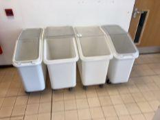Set of tote bins