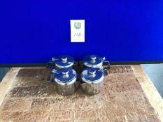 Set of tea pots