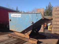 Forklift tipping skips