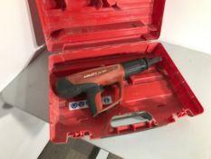 Hilti DX460 magazine nail gun