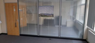 Partition wall with door and internal blinds