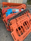 Joblot of plastic barriers