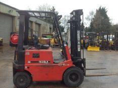 Desta 2.0 ton gas forklift truck