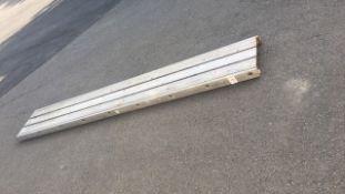 Staging, scaffolding walkway