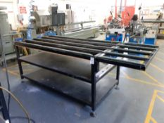 Laying up table